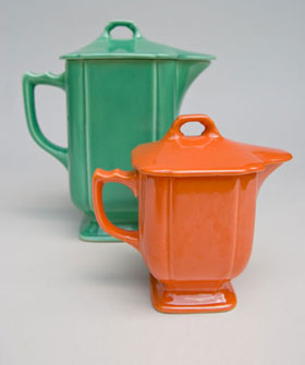 Riviera Pottery: Covered Syrup in Red for Sale: Vintage Homer Laughlin Pottery: 30s 40s Fiestaware Americana Dinnerware
