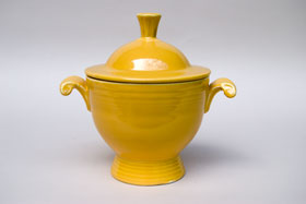 Vintage  Fiestaware Sugar Bowl in Original Yellow Glaze For Sale