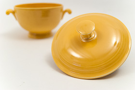 Fiesta Covered Onion Soup Bowl in Original Yellow: Early, Rare, Vintage, Fiesta For Sale