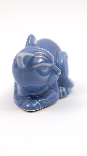 Harlequin Animal Novelty Cat in Mauve Blue Homer Laughlin Pottery for Woolworths