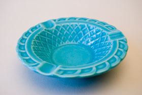 Vintage Harlequin Basketweave Ashtray in Turquoise: Harlequin Dinnerware 30s 40s American Solid Color Dinnerware For Sale