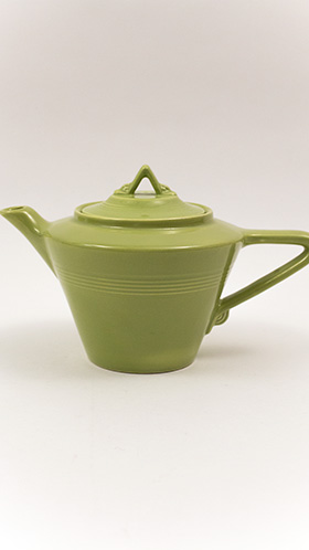 Harlequin Pottery Teapot in Original Chartreuse Glaze 50s ColorAmerican Tableware Homer Laughlin