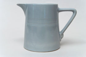 Vintage Harlequin 50s Gray 22 ounce jug or milk pitcher: Harlequin Dinnerware 30s 40s American Solid Color Dinnerware For Sale