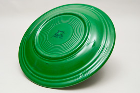 Medium Green Fiesta 10 inch Dinner Plate Fiestaware Pottery For Sale