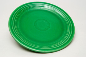Medium Green Fiesta 7 inch Plate Fiestaware Pottery For Sale