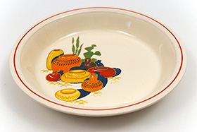Vintage Mexicana Decalware Homer Laughlin Pie Plate on Daisy Chain Shape with Red Stripe