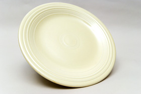 Original Ivory Fiesta 10 inch Dinner Plate Fiestaware Pottery For Sale