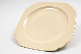 Vintage Riviera Pottery Creamy Ivory Vellum 9 inch Luncheon Plate