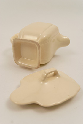 Riviera Pottery: CoveIvory Syrup in Ivory for Sale: Vintage Homer Laughlin Pottery: 30s 40s Fiestaware Americana Dinnerware