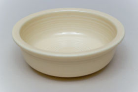Red Vintage Fiestaware Ivory Berry Bowl For Sale