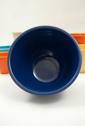 Vintage Fiesta Nesting Bowl Number FIve in Cobalt For Sale