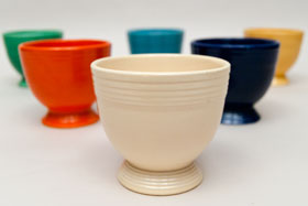 Vintage  Fiestaware Egg Cup in Original Ivory: Fiesta Dinnerware 30s 40s 50s 60s For Sale
