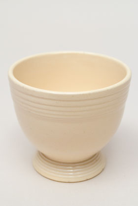 Radioactive Ivory Vintage Fiesta Egg Cup Fiestaware Pottery For Sale