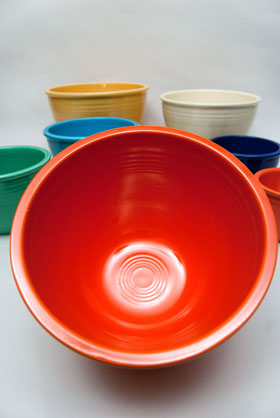 Vintage Fiesta Nesting Bowl Number Five in Radioactive Red For Sale
