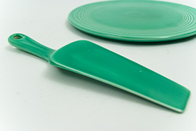 Kitchen Kraft Cake Server in Original Green: Hard to Find Go-Along Fiestaware Pottery For Sale
