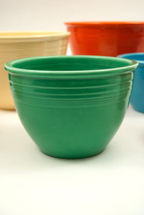 Vintage Fiestaware Nesting Bowl in Original Green Glaze For Sale