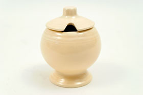 Vintage FIesta Mustard In Original Ivory Glaze For Sale