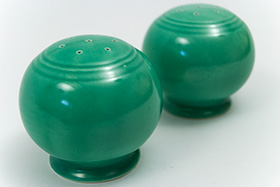 Fiesta Kitchen Kraft Shakers in Original Green
