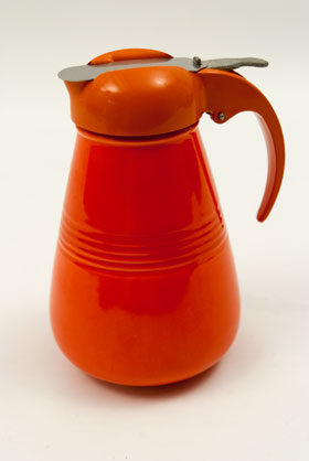 Harlequin Pottery Red Syrup: Radioactive, Original, Rare, Hard to Find Homer Laughlin For Sale