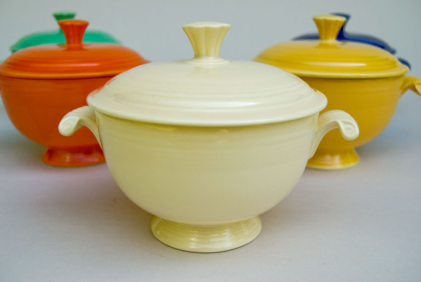 Fiesta Covered Onion Soup Bowl In Original Ivory Early