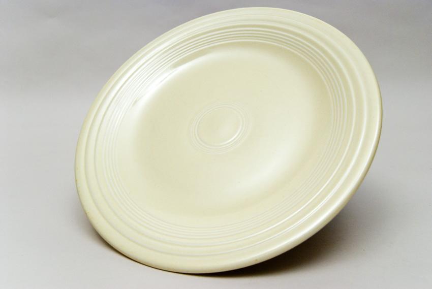 ... Original Ivory Fiesta 10 inch Dinner Plate Fiestaware Pottery For Sale & Fiesta Original Ivory 10 inch Plate Vintage Fiestaware For Sale