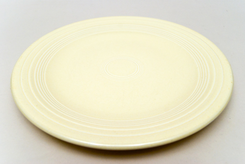 Original Ivory Fiesta 10 inch Dinner Plate Fiestaware Pottery For Sale ... & Fiesta Original Ivory 10 inch Plate Vintage Fiestaware For Sale