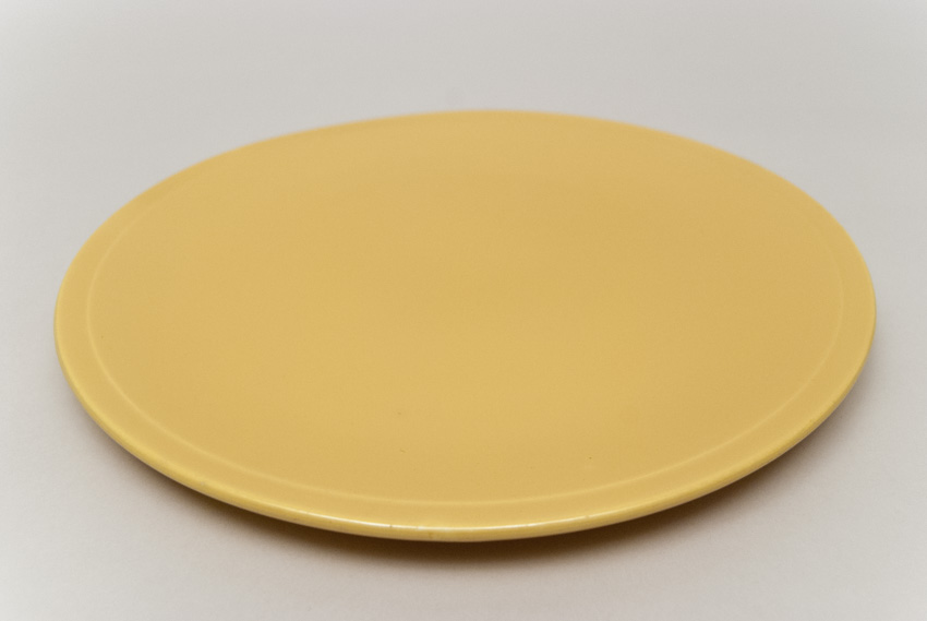 Kitchen Kraft Cake Plate in Yellow Hard to Find Go-Along Fiestaware Pottery For ... & Kitchen Kraft Cake Plate in Original Yellow Fiestaware Pottery For ...