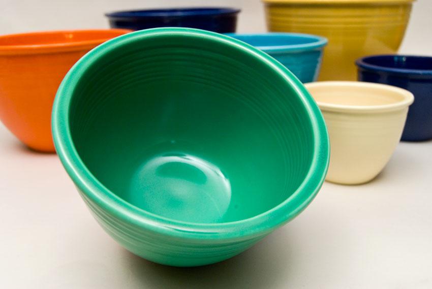 Vintage Fiesta Nesting Bowl #3 in Original Green Glaze For Sale