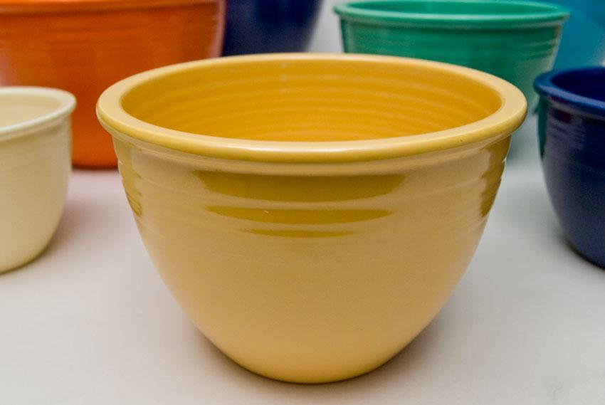 Vintage Fiestaware: Nesting Bowl in Original Yellow Glaze For Sale