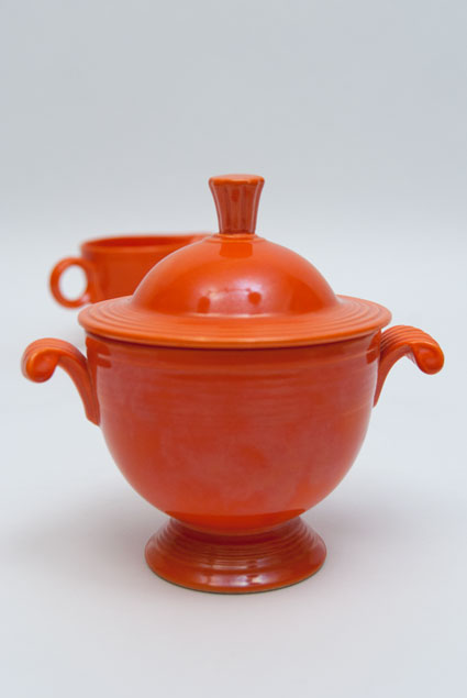 Fiesta Vintage Red Sugar Bowl And Creamer Set For Sale