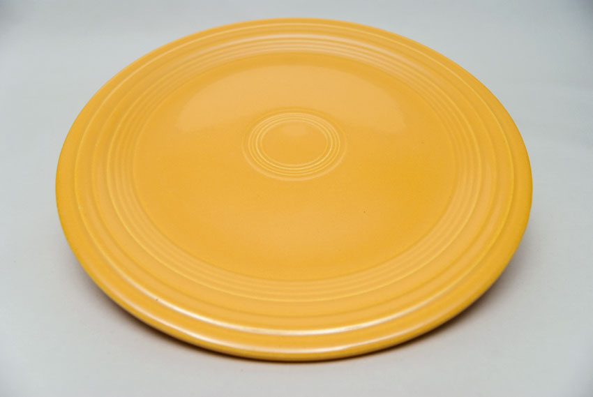 Vintage Fiesta Pottery 10 Quot Dinner Plate In Original Yellow Glaze For Sale