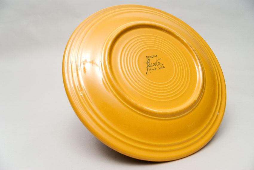 ... Vintage Fiesta Yellow 10 Inch Dinner Plate Fiestaware Pottery Vase Gift Rare Hard & Vintage Fiesta Pottery 10\