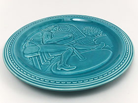 Worlds Fair New York 1939 American Potter Exhibit Potters Wheel Embossed Plate Homer Laughlin Turquoise For Sale