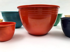 Vintage Fiesta Nesting Bowl Number Seven in Original Red For Sale