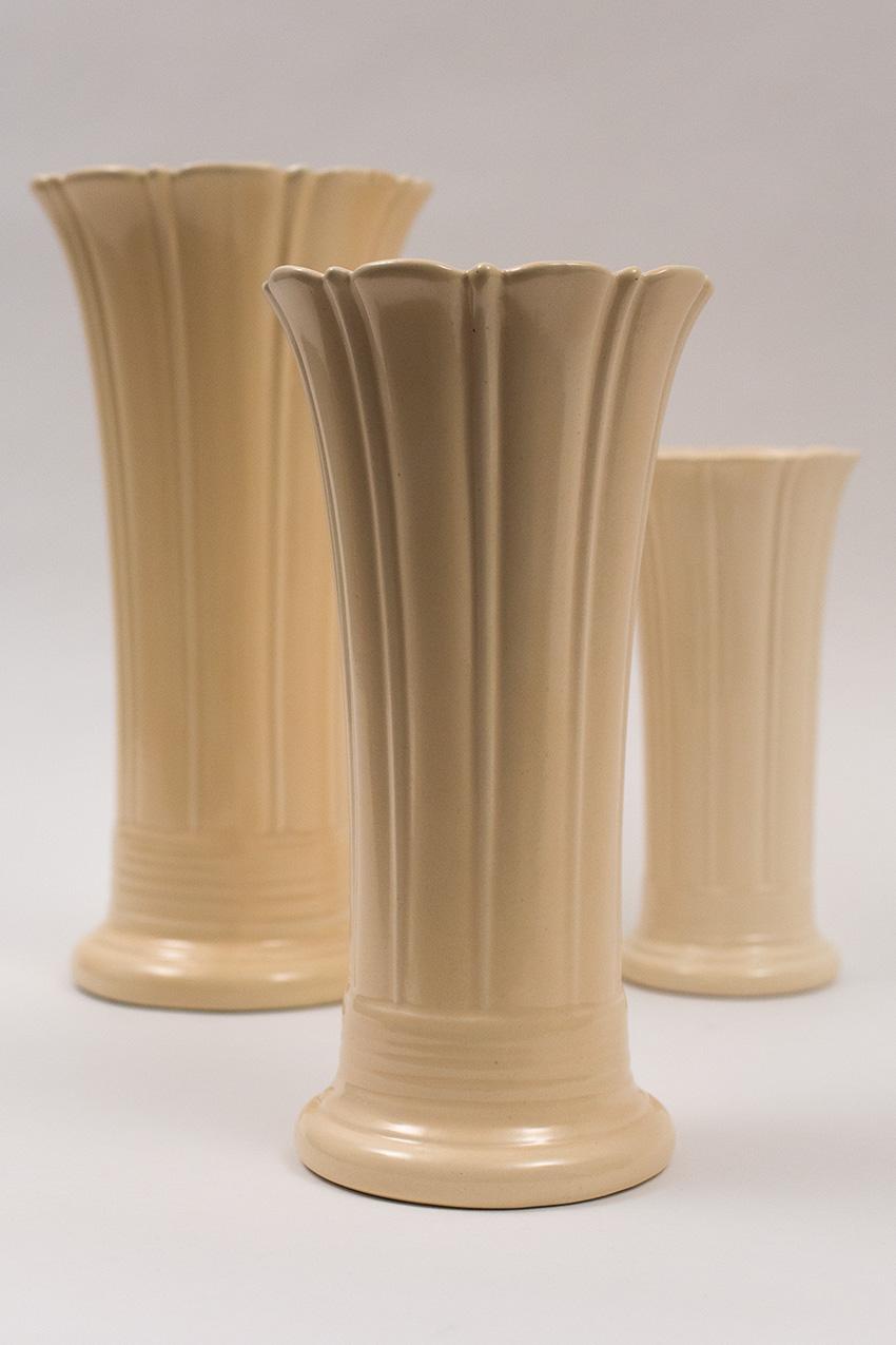 Vintage fiesta 10inch flower vase in original ivory glaze vintage fiesta flower vase ivory original fiestaware 1930s 1940s for sale art deco american pottery reviewsmspy
